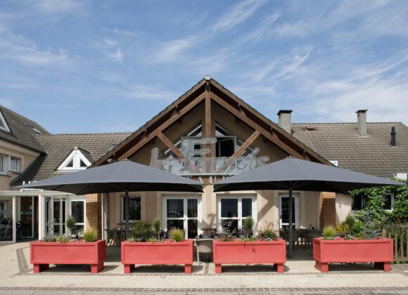 Hôtel-L_Orée-de-Chartres-Accueil restaurant
